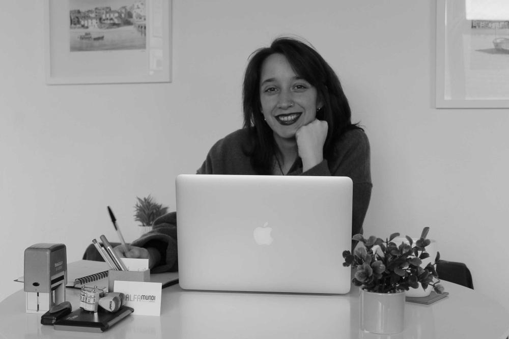 María Peña. Traductora jurada.